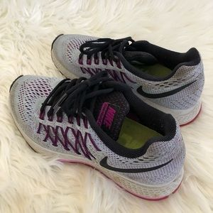 Nike Neutral Ride Running Shoes size 6